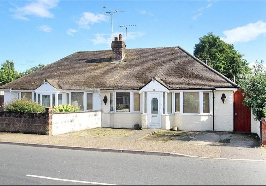 3 Bedrooms Semi Detached Bungalow for sale in Courtwick Road, Wick BN17 7NE