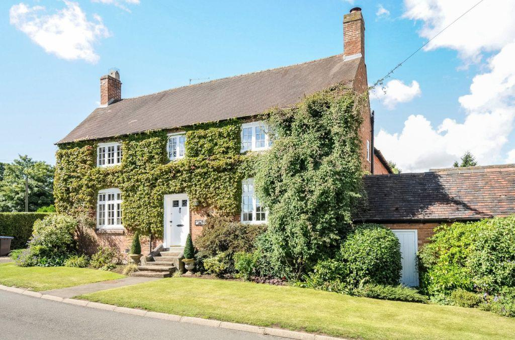 4 Bedrooms Farm House Character Property for sale in Glebe Farm, Wolverton
