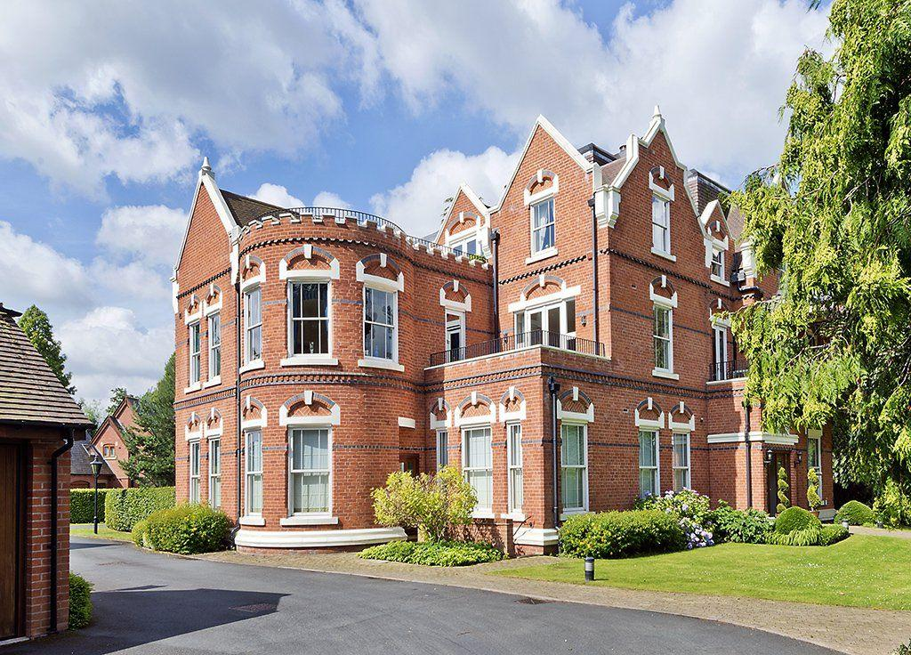 3 Bedrooms Apartment Flat for sale in Bakers Lane, Knowle