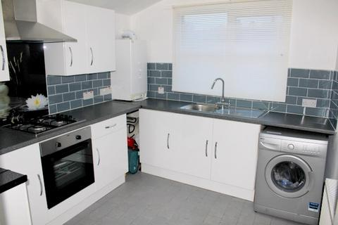 2 bedroom flat to rent - Brookdale Road, Catford, London, SE6