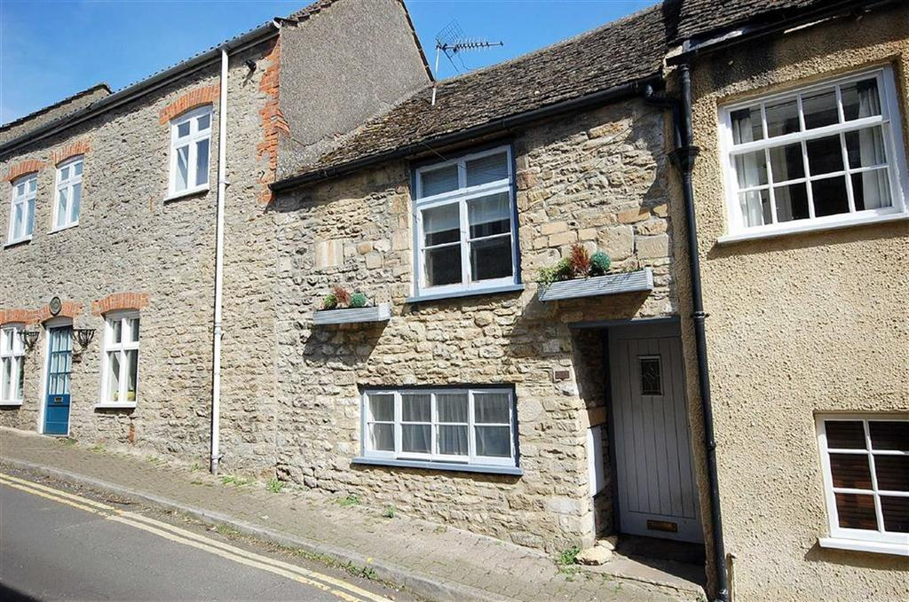 2 Bedrooms Cottage House for sale in The Shoebox, West Street, Malmesbury, Wiltshire