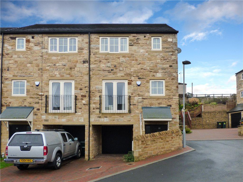 3 Bedrooms Town House for sale in Jacobs Lane, Haworth, Keighley, West Yorkshire