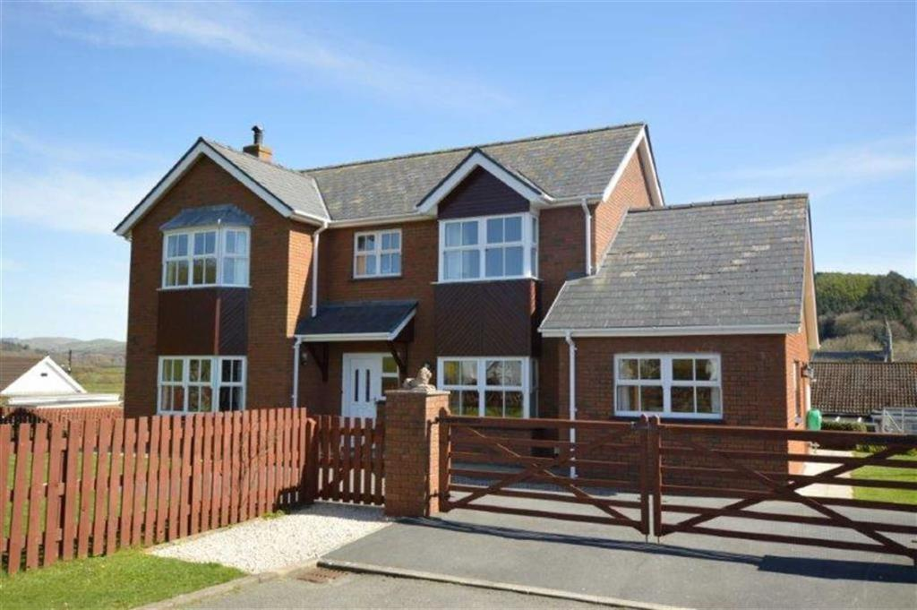 3 Bedrooms Detached House for sale in Arosfa, Clos Corwen, Clarach, Aberystwyth, SY23