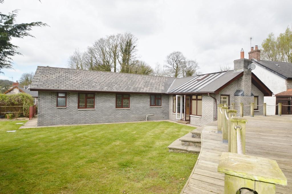 4 Bedrooms Detached House for rent in Bryn Crogwr, Westgate, Cowbridge, CF71 7AQ