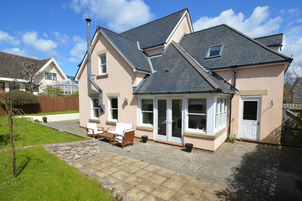 5 Bedrooms Detached House for sale in The Vines, Colwinston, Nr Cowbridge, Vale Of Glamorgan, CF71 7NB