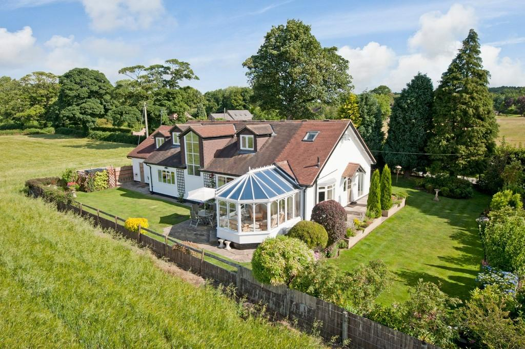 4 Bedrooms Detached House for sale in Peckmill, Manley, WA6 9JQ
