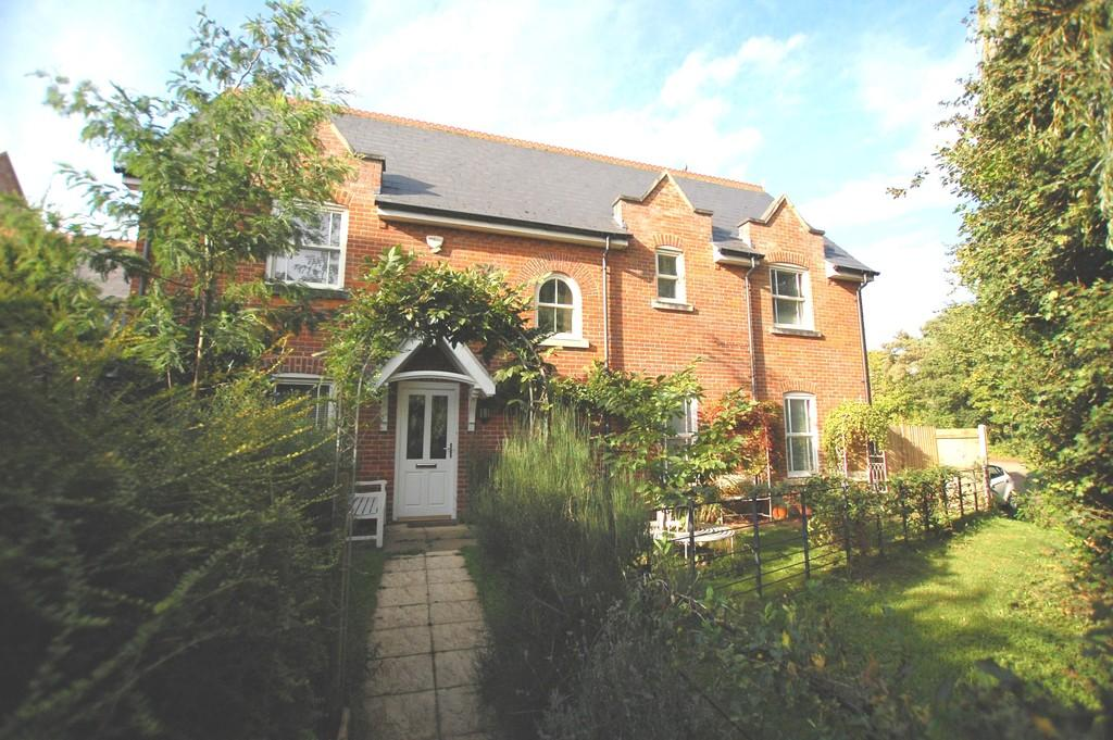 5 Bedrooms Detached House for sale in St Michaels Avenue, Aylsham