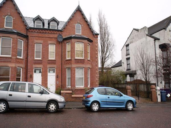 2 Bedrooms Apartment Flat for rent in Newsham Drive, Liverpool L6