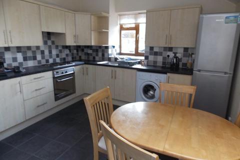 4 bedroom apartment to rent - Shaftesbury Road, Bath