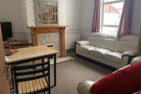 5 bedroom terraced house to rent - Claude Avenue, BATH