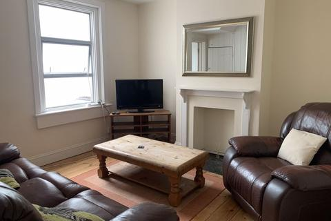 4 bedroom terraced house to rent - West Avenue, Bath