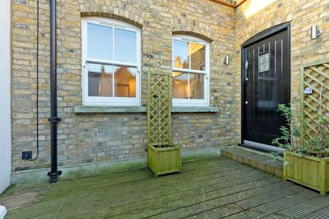 1 bedroom flat to rent - Southcott Mews, (off Allitsen Road), NW8