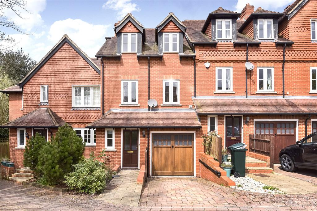 3 Bedrooms Semi Detached House for rent in Amherst Place, Sevenoaks, Kent, TN13