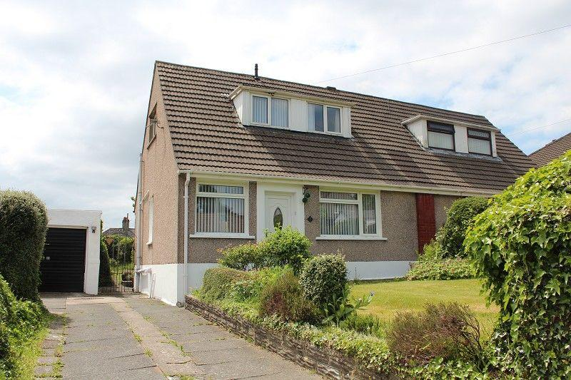 2 Bedrooms Semi Detached Bungalow for sale in Tawe View Crescent, Morriston, Swansea.