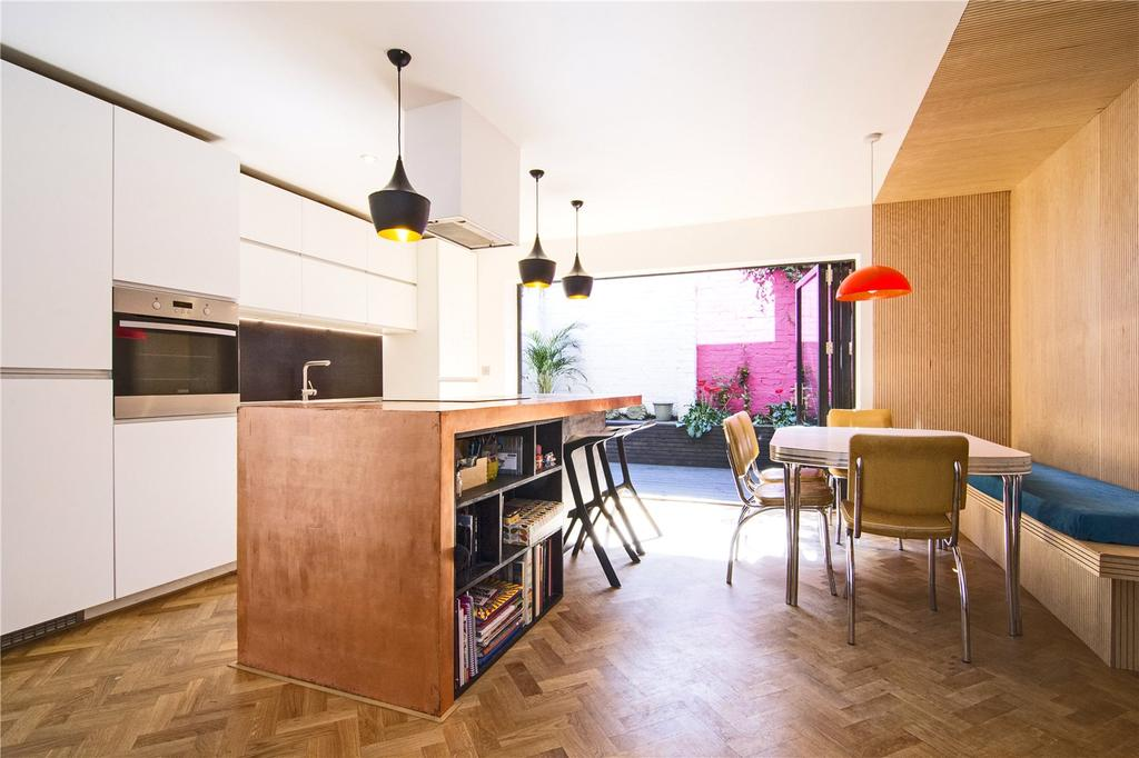 2 Bedrooms Detached House for sale in Rushmore Road, London, E5