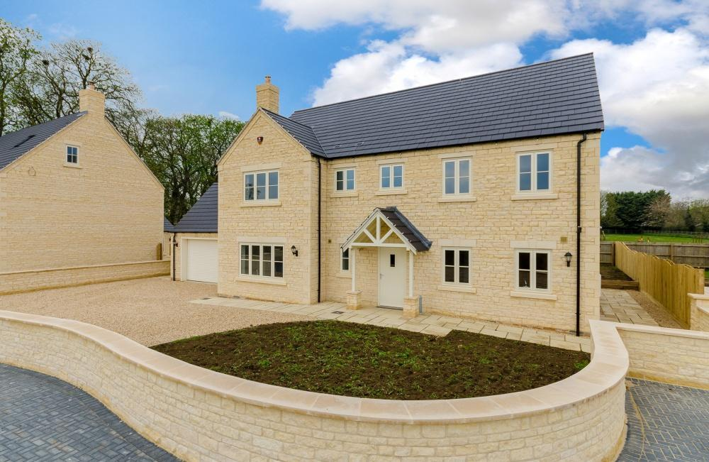 5 Bedrooms Detached House for sale in Hunters Court, Town Road, Quarrington, Lincolnshire, NG34