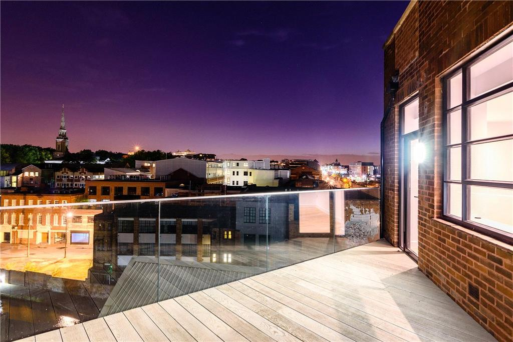 4 Bedrooms Flat for sale in Queensway House, 57 Livery Street, Birmingham City Centre, West Midlands, B3
