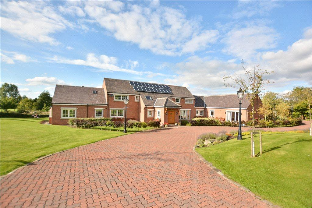 5 Bedrooms Detached House for sale in The Fairways, Tarn Lane, Wike/Scarcroft, Leeds, West Yorkshire