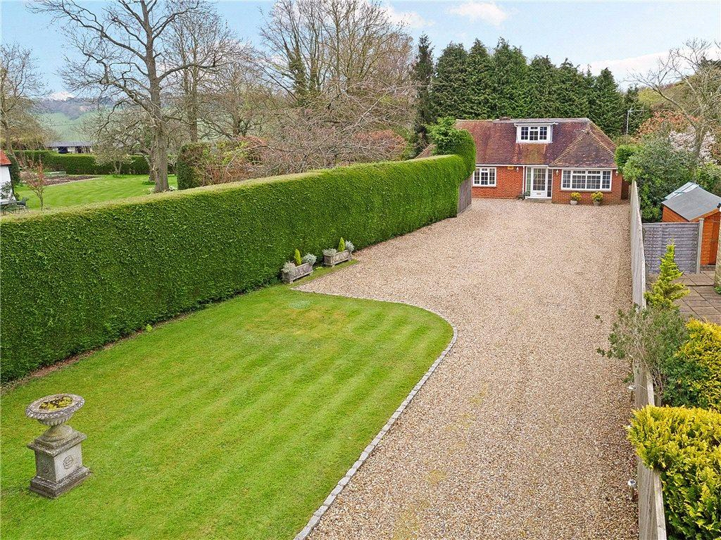 3 Bedrooms Detached Bungalow for sale in Green End Road, Radnage, High Wycombe, Buckinghamshire