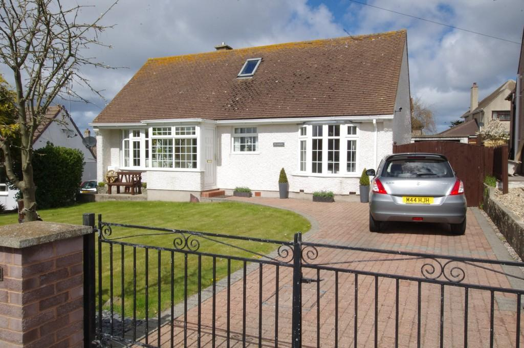 4 Bedrooms Detached Bungalow for sale in Rockfield Drive, Deganwy