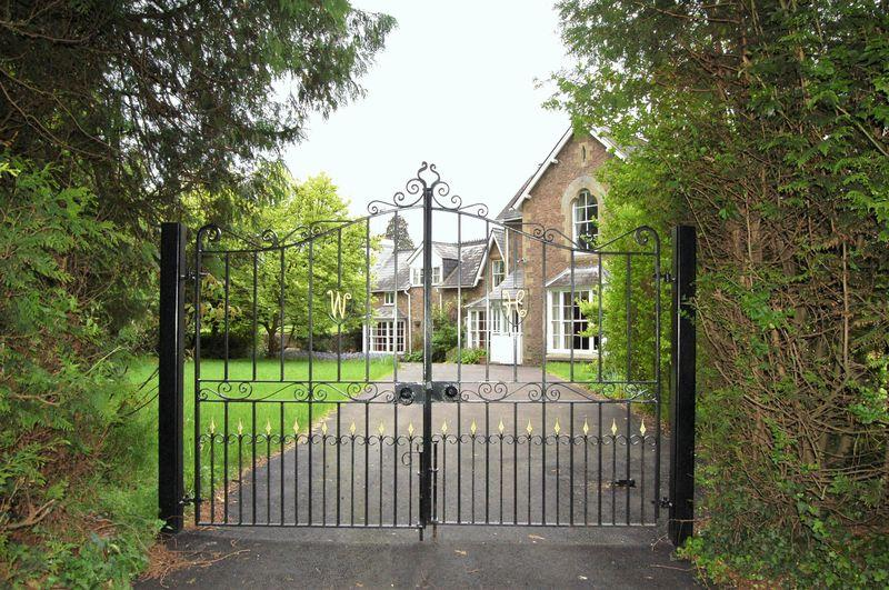 5 Bedrooms Detached House for sale in Wormelow, Hereford