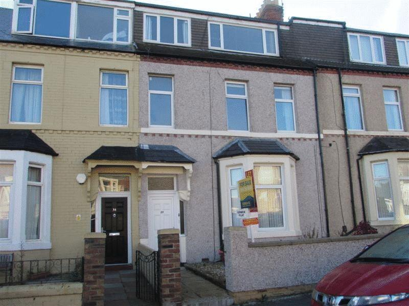 2 Bedrooms Apartment Flat for sale in North Parade, Whitley Bay, Two Bedroom 2nd Floor Flat