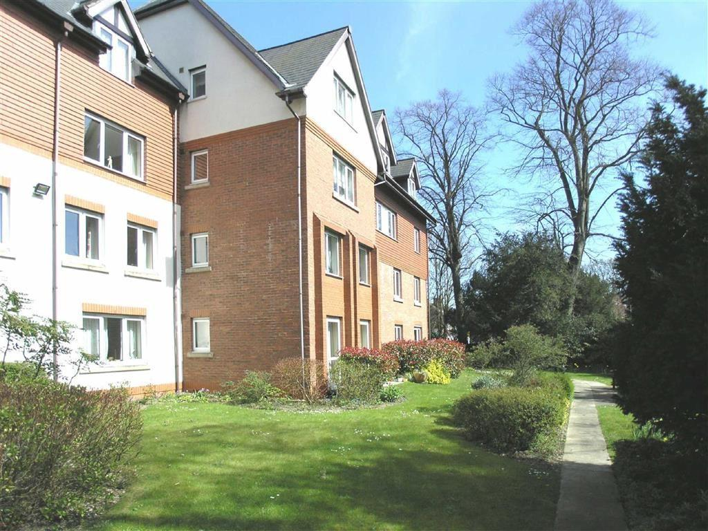 2 Bedrooms Flat for sale in Shardeloes Court, Newgate Street, Cottingham