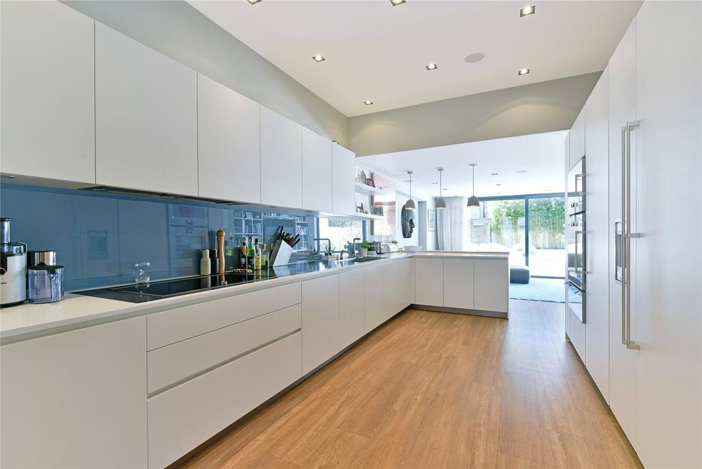 5 Bedrooms End Of Terrace House for rent in Laitwood Road, Balham, London, SW12