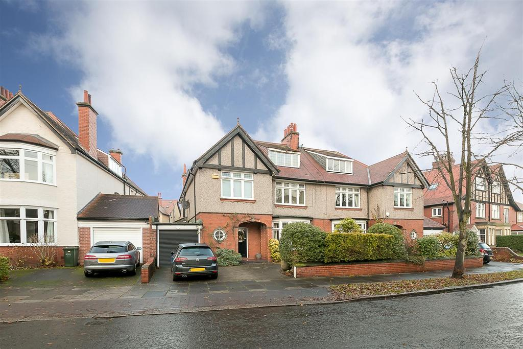 6 Bedrooms Semi Detached House for sale in Moor Crescent, Gosforth, Newcastle upon Tyne
