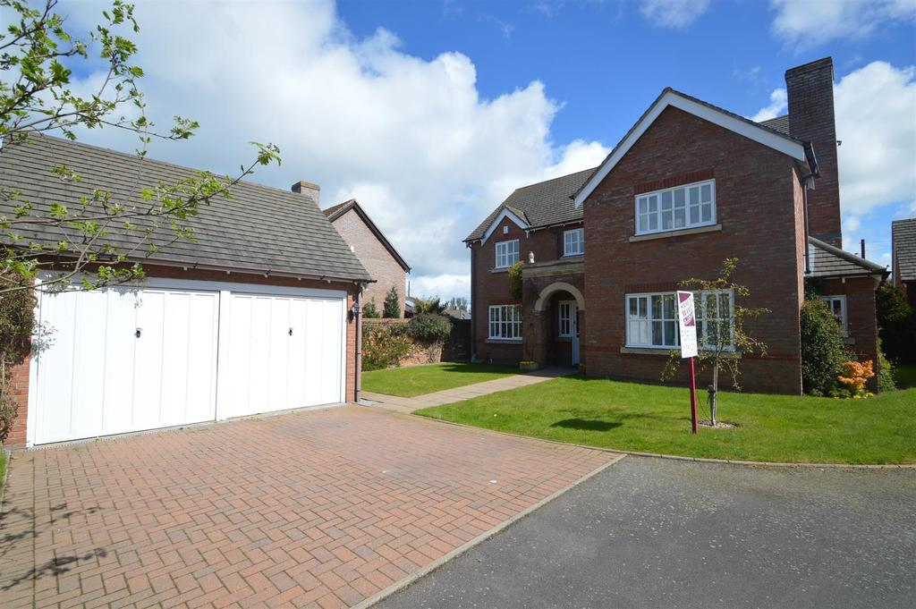 4 Bedrooms Detached House for sale in 7 Manor Farm, Uffington, Shrewsbury, SY4 4SG