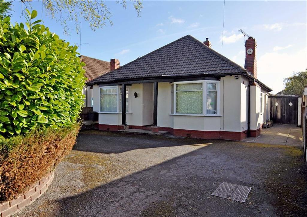 3 Bedrooms Detached Bungalow for sale in 56, Codsall Road, Tettenhall, Wolverhampton, West Midlands, WV6