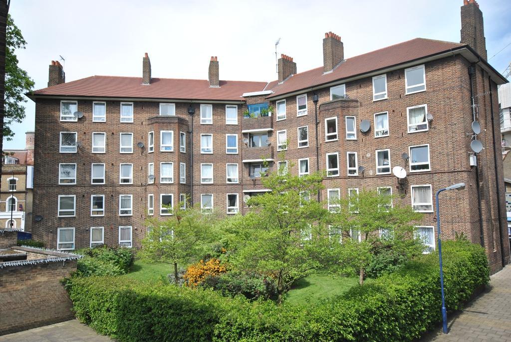 3 Bedrooms Flat for sale in Kennington Lane Kennington SE11