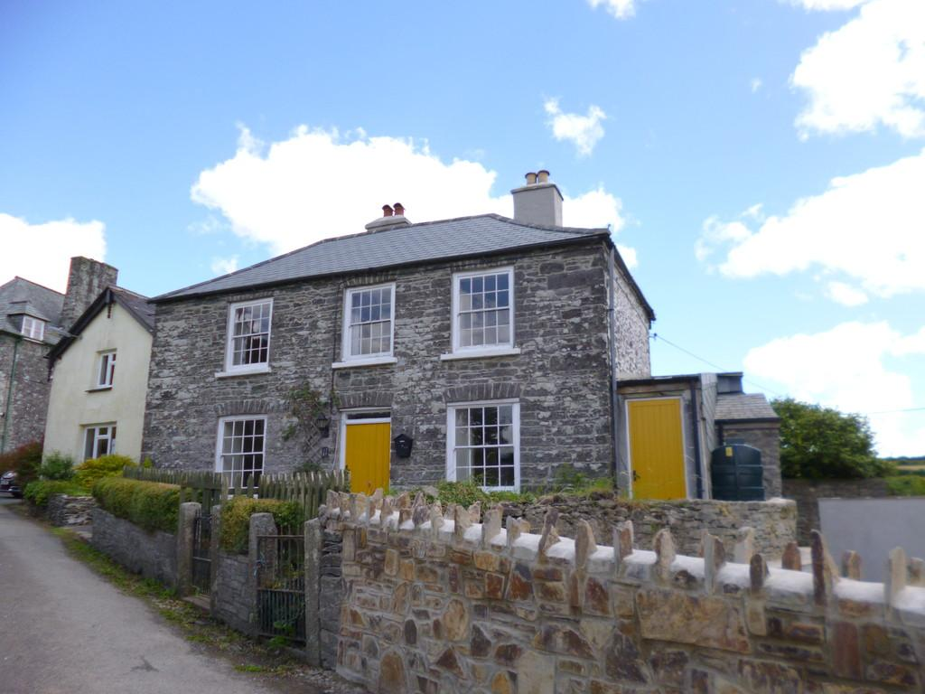3 Bedrooms Cottage House