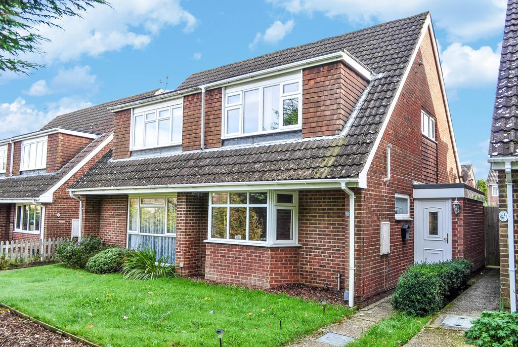 3 Bedrooms Semi Detached House for sale in BROADOAK