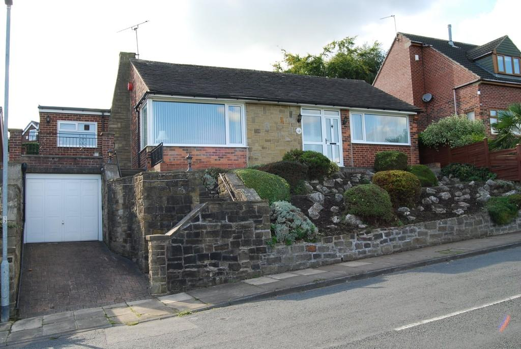 3 Bedrooms Detached Bungalow for sale in Smithy Brook Lane, Dewsbury
