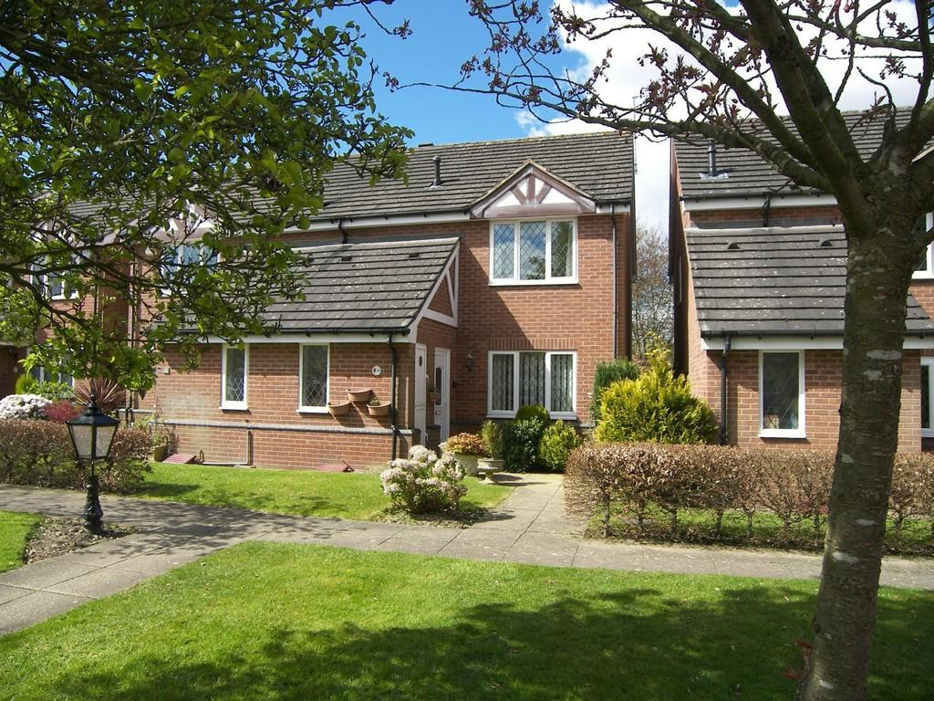 2 Bedrooms Semi Detached House for sale in Warwick Grange, Solihull