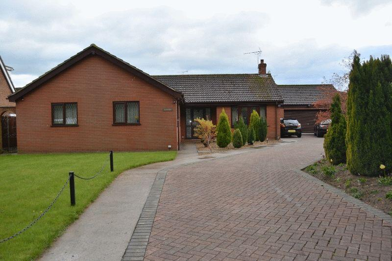 4 Bedrooms Detached Bungalow for sale in Town Hill Drive, Broughton, Brigg
