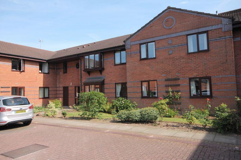 2 Bedrooms Apartment Flat for sale in THE DOVEDALES, PARK ROAD, MICKLEOVER