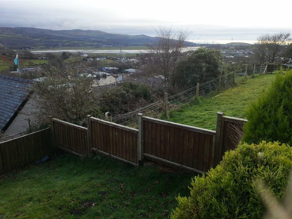 2 Bedrooms End Of Terrace House for sale in 3 Ffridd Uchaf, Penrhyndeudraeth