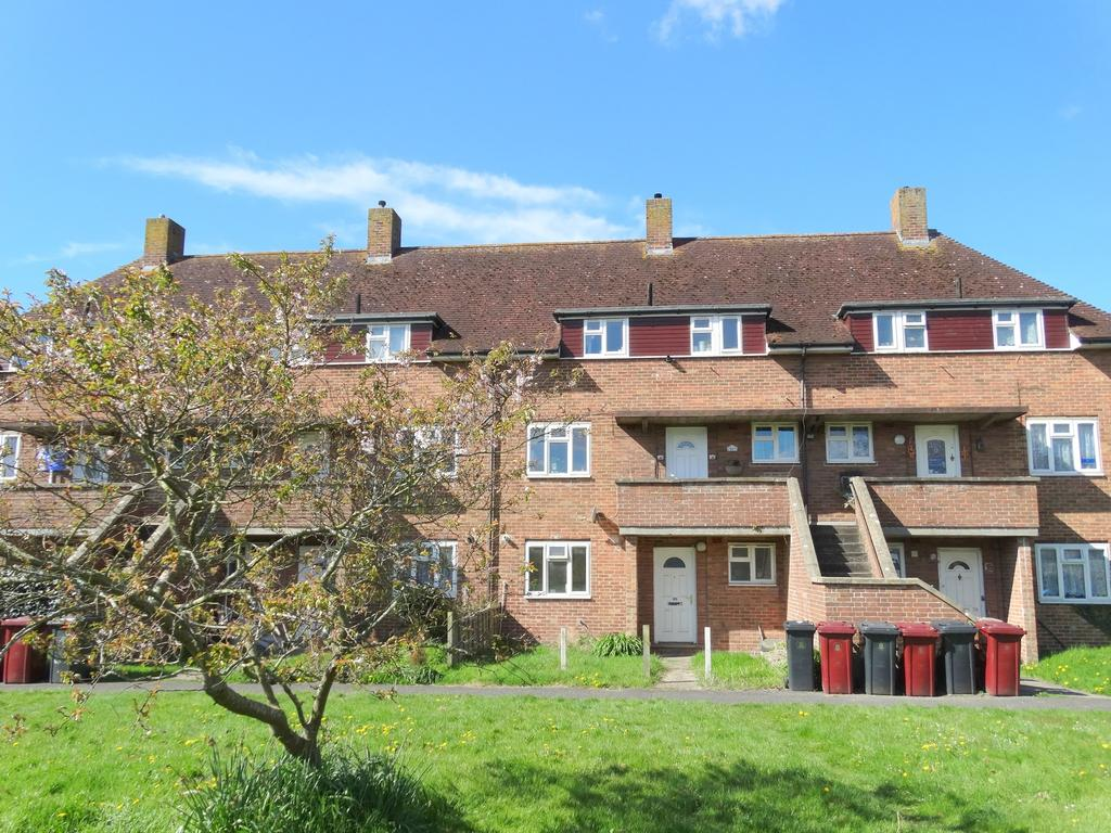 4 Bedrooms Maisonette Flat for sale in Kingsham Avenue, Chichester