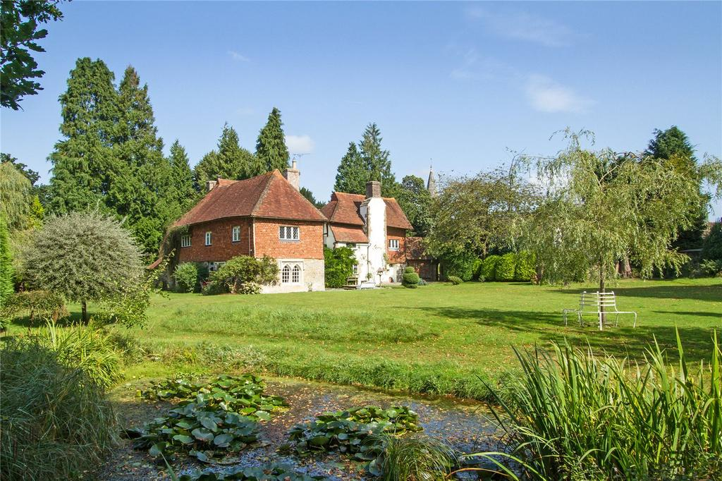 5 Bedrooms Detached House for sale in Church Road, Bramshott, Liphook, Hampshire