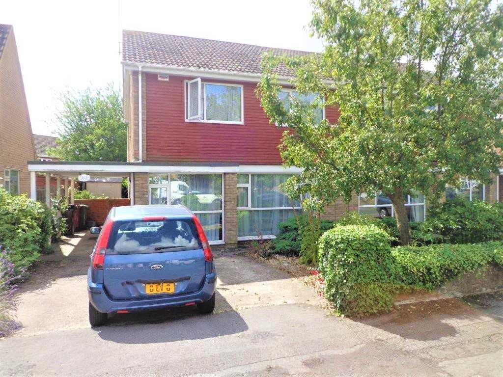 4 Bedrooms Semi Detached House for sale in PURBECK ROAD, SCUNTHORPE