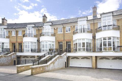5 bedroom townhouse to rent - Englefield Green, Surrey