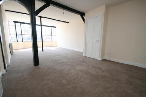 Studio to rent - Magdelene Street, Colchester, CO1