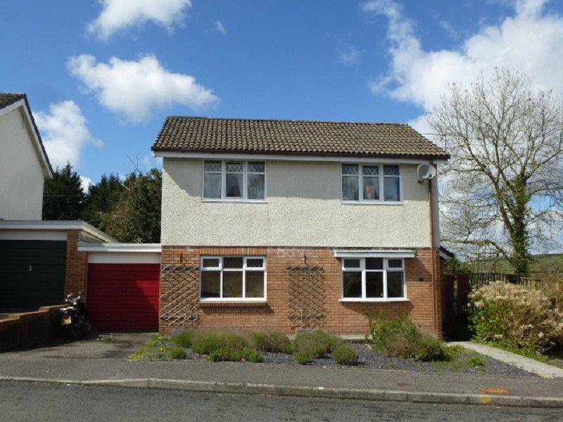 3 Bedrooms Detached House for sale in Lon Rhys Llandeilo, Carmarthenshire.