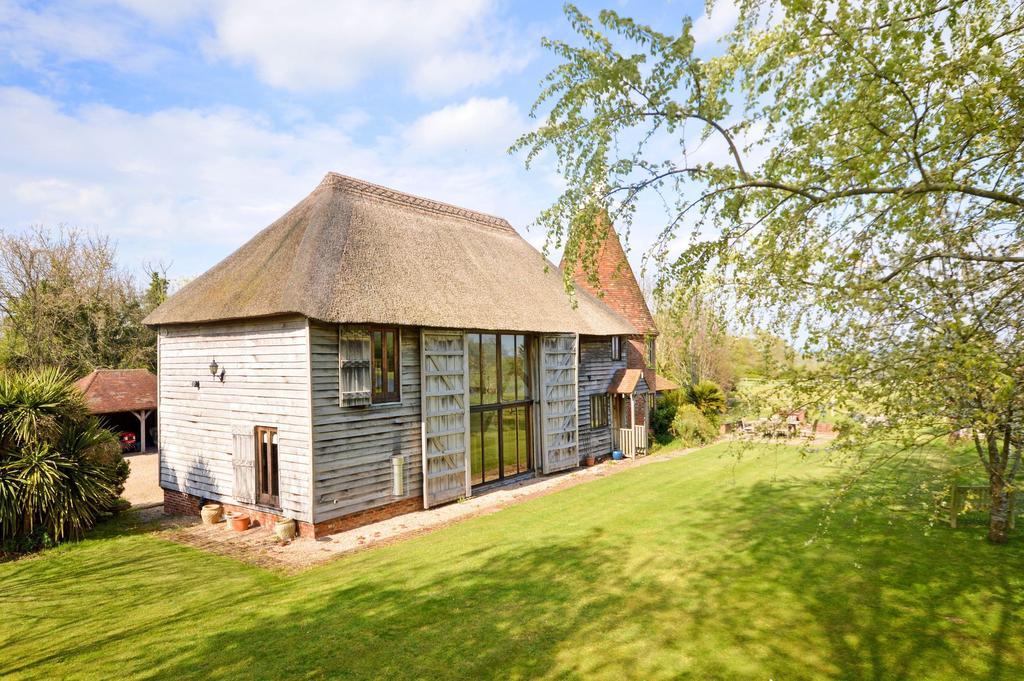4 Bedrooms Detached House for sale in Tenterden, TN30