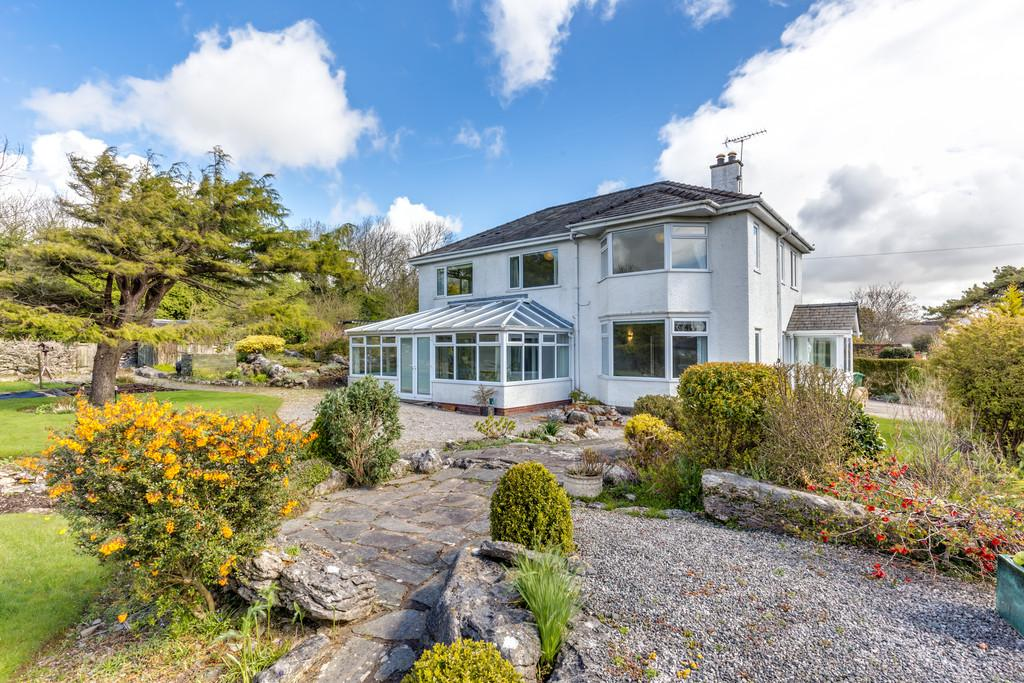 4 Bedrooms Detached House for sale in Whitewood, Cardrona Road, Grange-Over-Sands, Cumbria, LA11 7EW