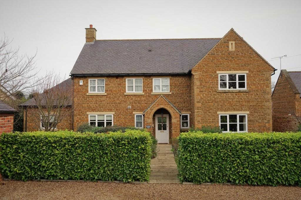 6 Bedrooms Detached House for sale in Mulberry House, Caldecott