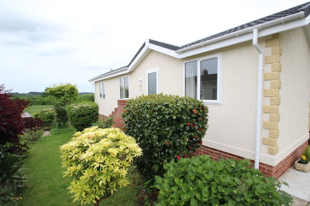 1 Bedroom Park Home Mobile Home for sale in Fernhill Park, Wootton Bridge