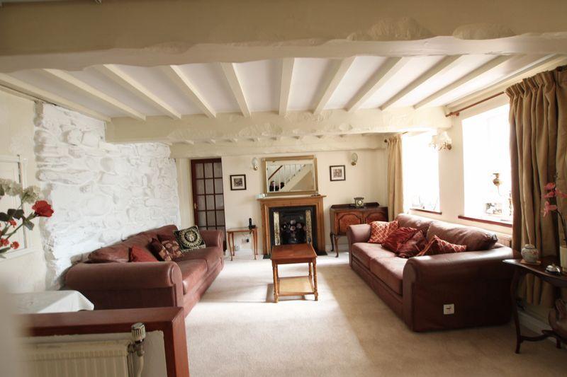 5 Bedrooms Detached House for sale in Llandygai, Gwynedd